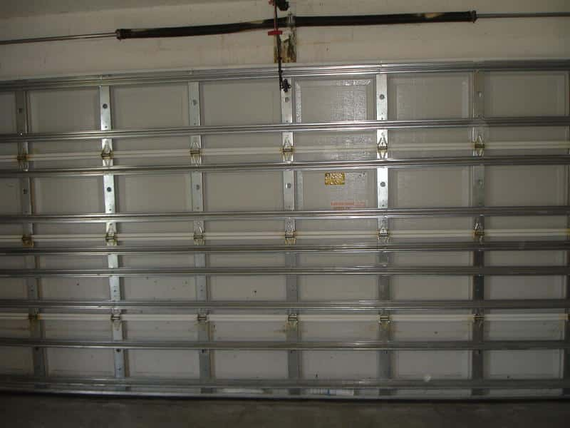 Hurricane garage doors houston tx 713 730 2797 call now for Garage door wind code ratings
