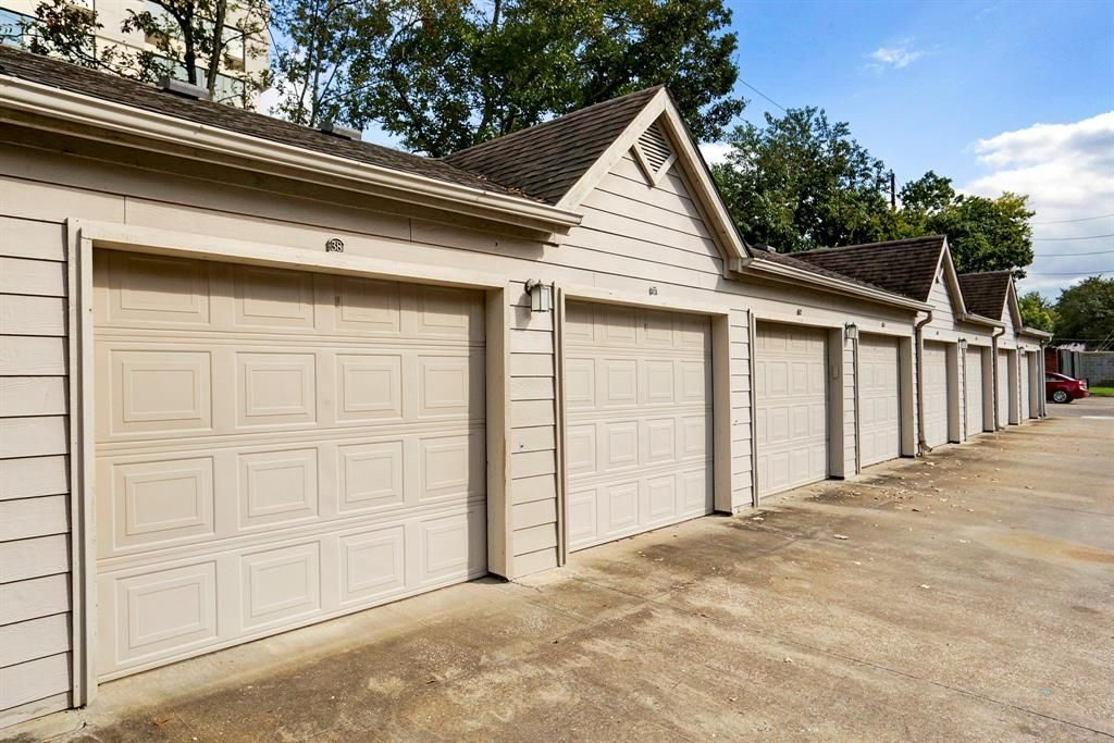 steel-garage-doors-houston