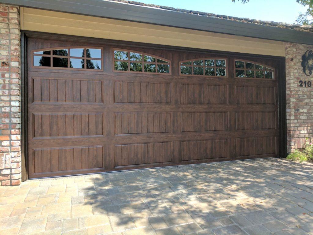 carrige_garage_door_with_windows