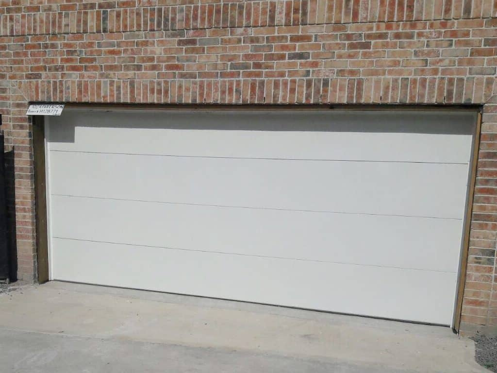 residential-flush-white-garage-door